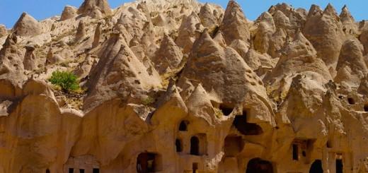 tufstenen-landschap-cappadocie